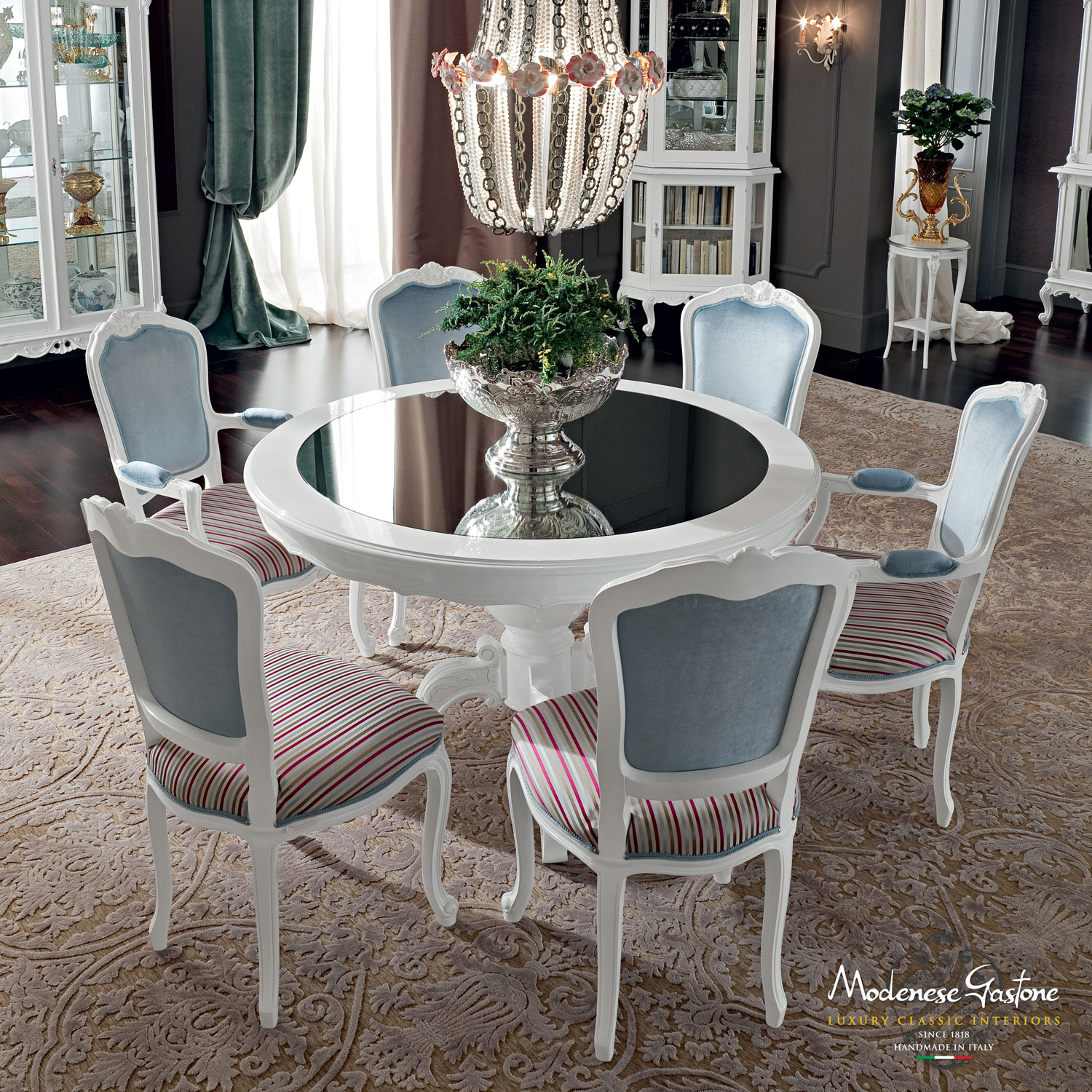 Fashionable-dining-room-round-table-with-mirror-top-Casanova-collection-Modenese-Gastone